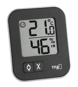Mit einem digitalen Hygrometer lassen sich relative Luftfeuchtigkeit und Zimmertemperatur schnell und zuverlässig messen.